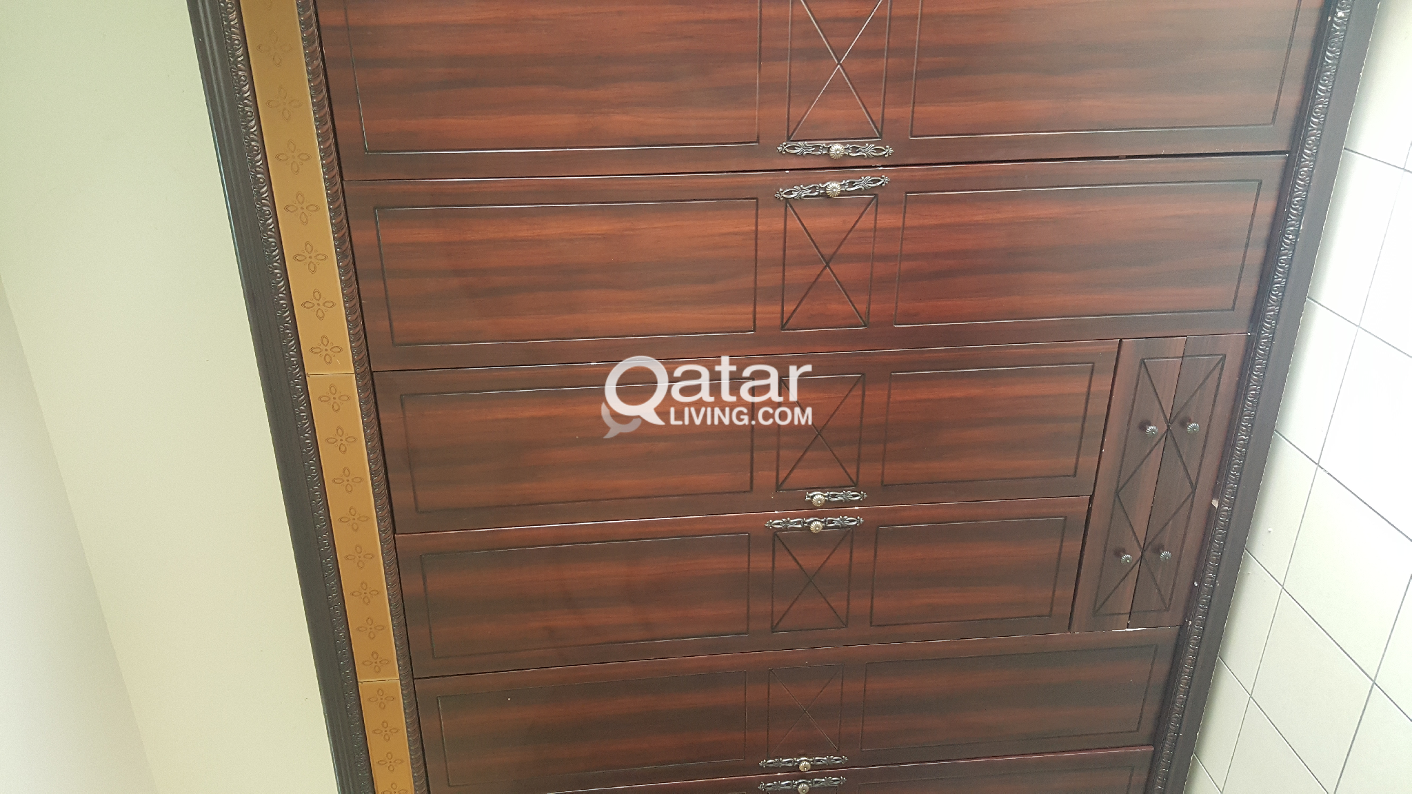 6 Doors wardrobe for Sale QR 450