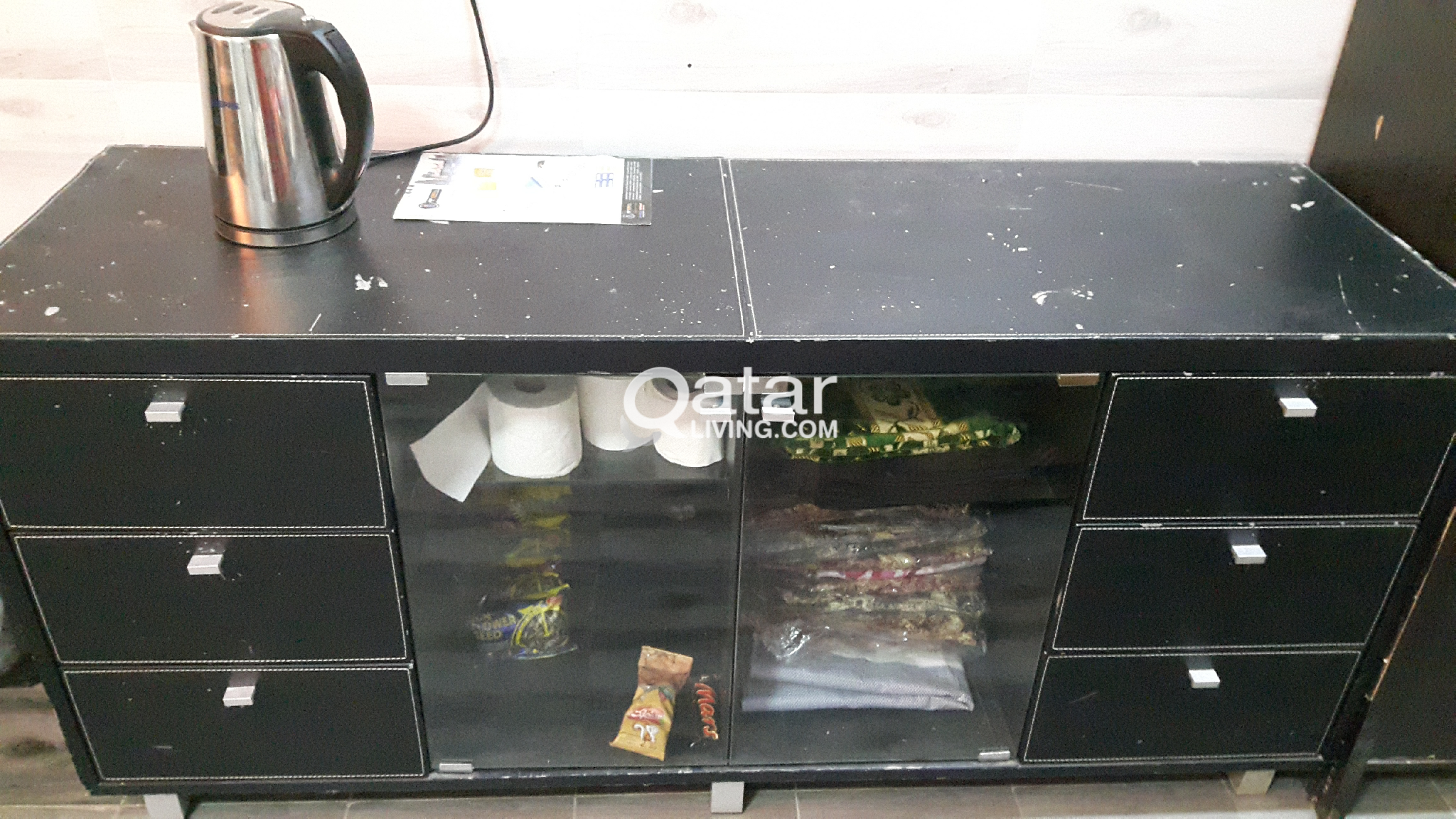 tabale and cupboard fore sale