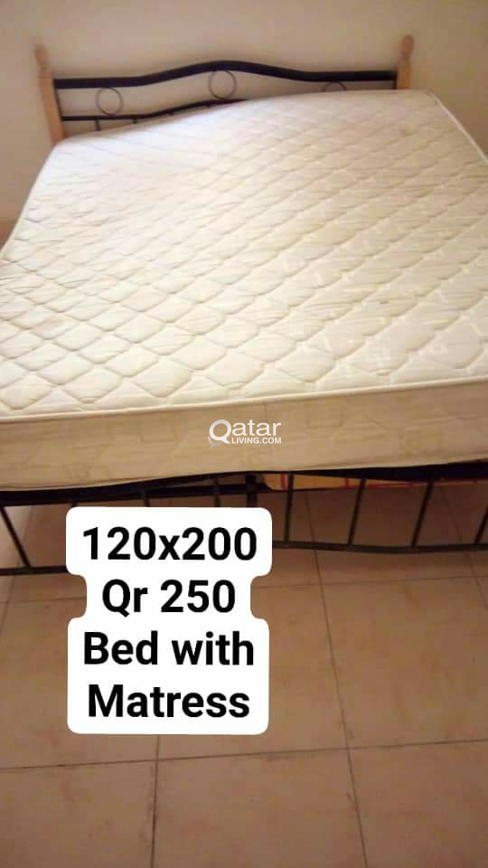 Bed with Matress botg Very good condition