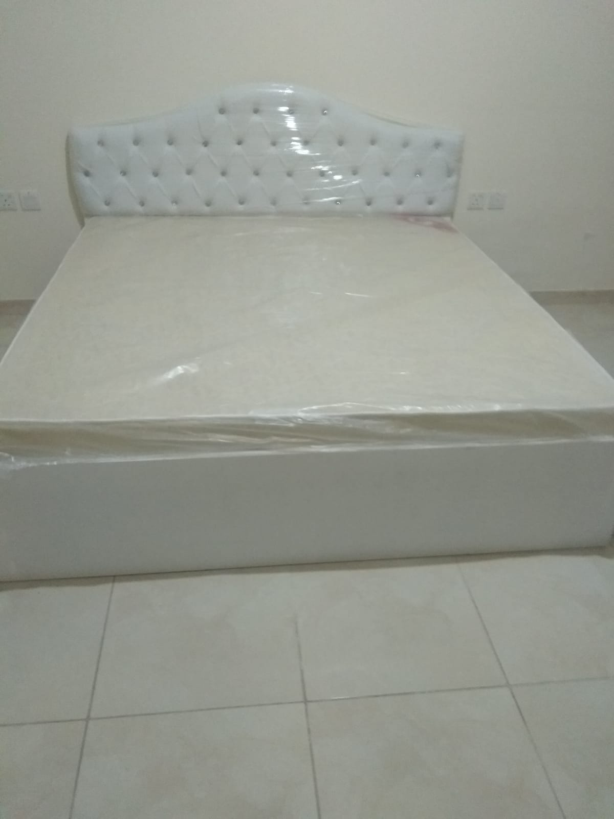 We Sale All King Of New furniture Contact-50098452
