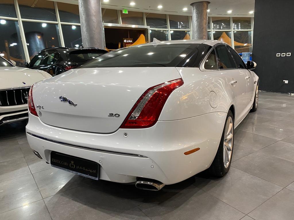 Jaguar XJL V6
