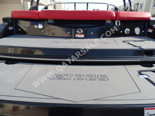 Glastron GTS225 with Floating Dock