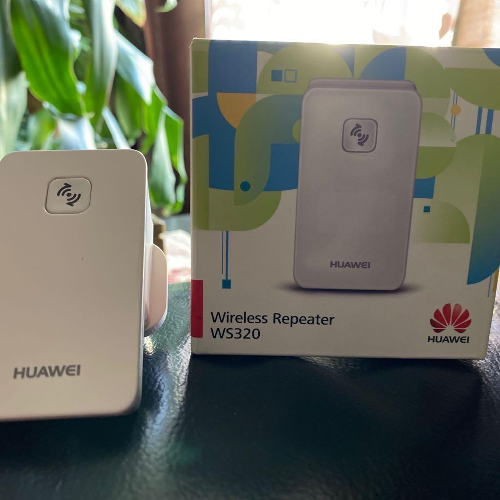 BRAND NEW-  HUAWEI - WIRELESS WiFi SIGNAL EXTENDER