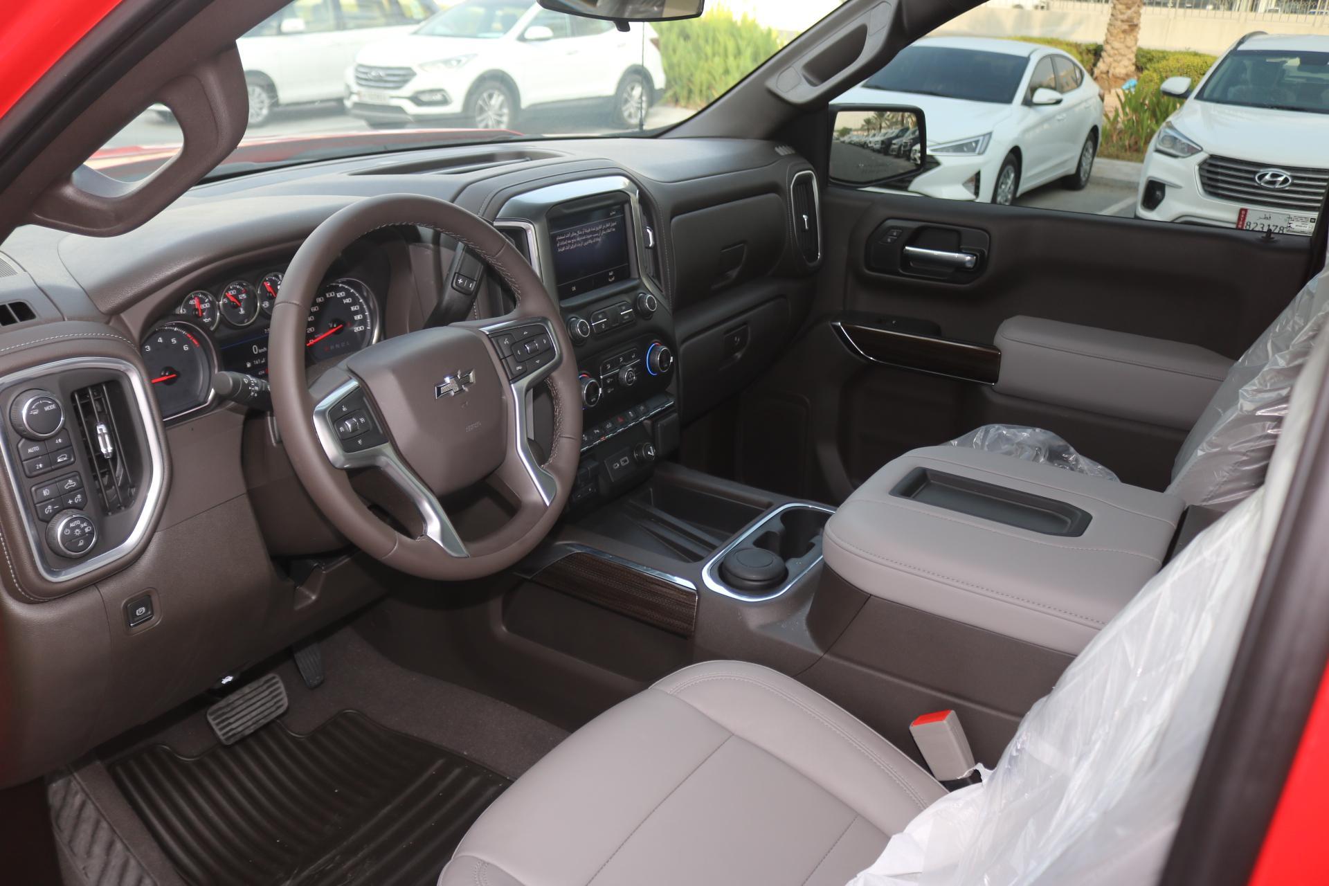 Chevrolet Silverado  - RST   5.3 L  / 2020