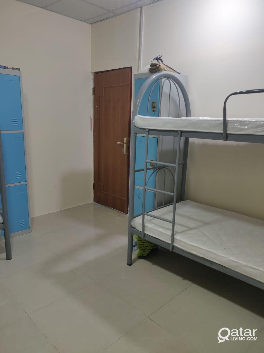 Room and bed space available in matar qadeem (old