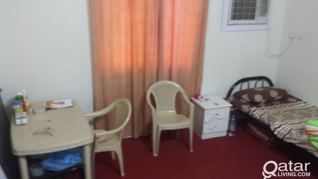 Room Sharing for Indian Executive Bachelor at Al M